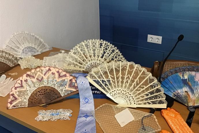 Bolillos realizados por María Dolores y sus compañeras de la Asociación